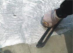 使用鏝刀披覆-3C's塑鋼漿(台灣漿造工業有限公司)